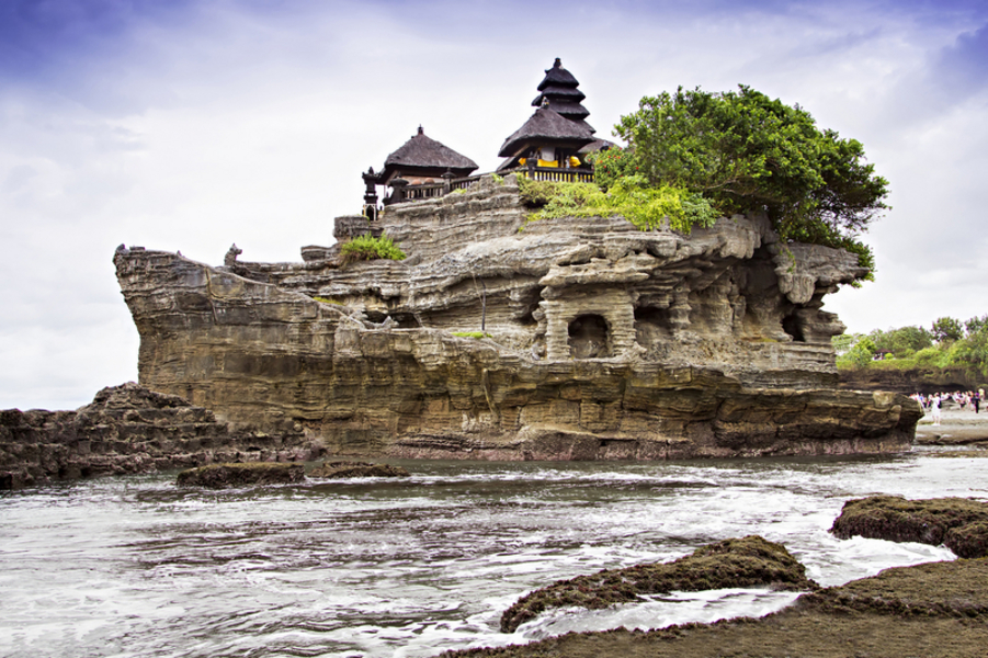 Bail's Tanah lot temple