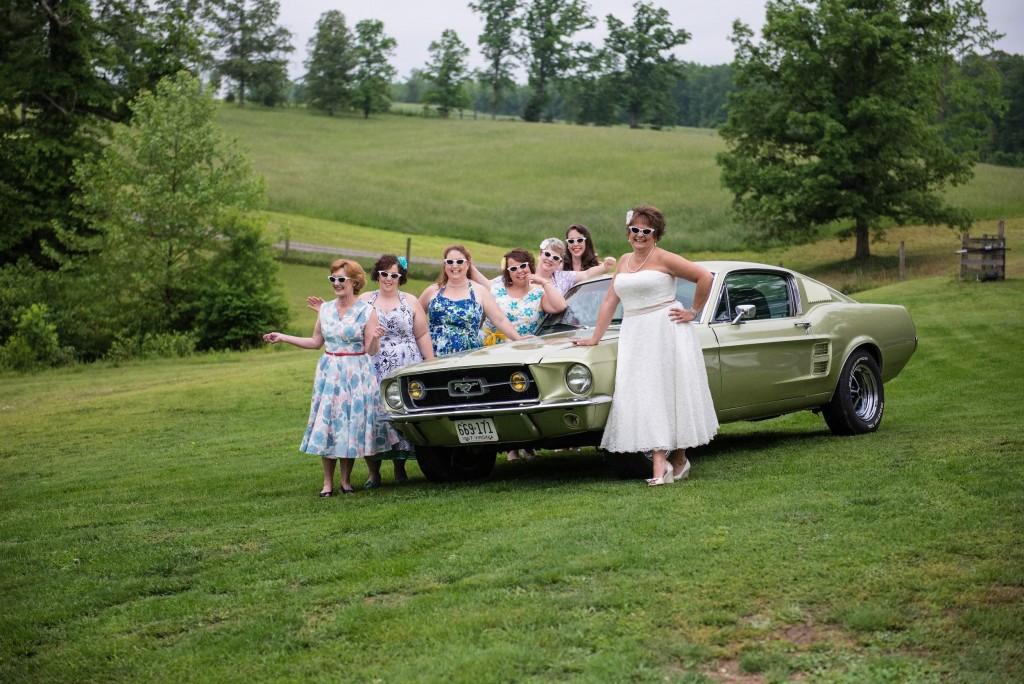 Bride & Vintage Mustang