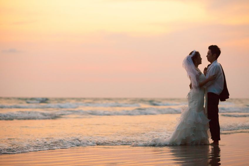 10 Ways to Highlight the Surroundings at your Beach Wedding