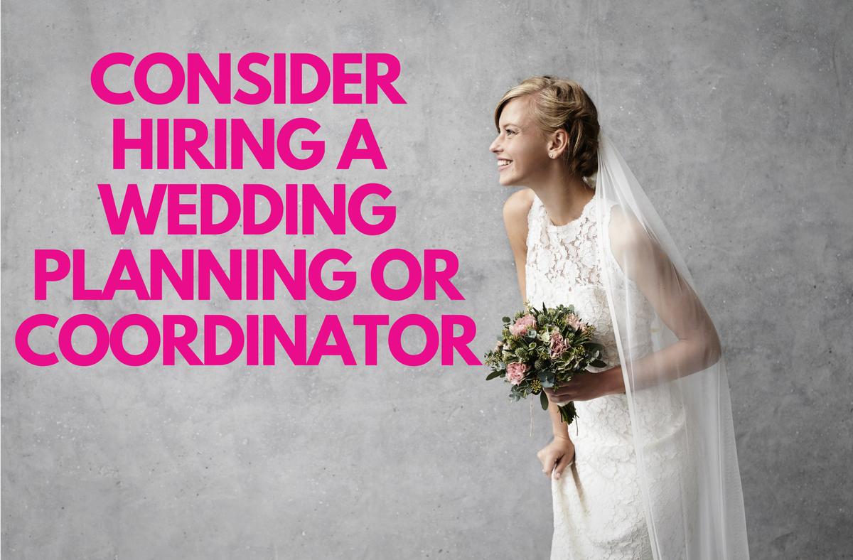 Excepcional How Much To Hire A Wedding Dress Ilustración - Colección ...