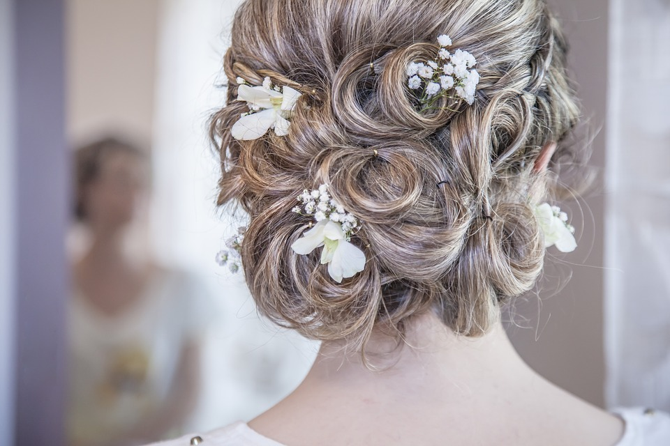 Updos for bridal beauty