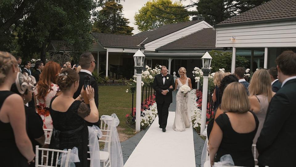 Wedding Trade Offs: A Big Guest List Or An Extravagant Reception