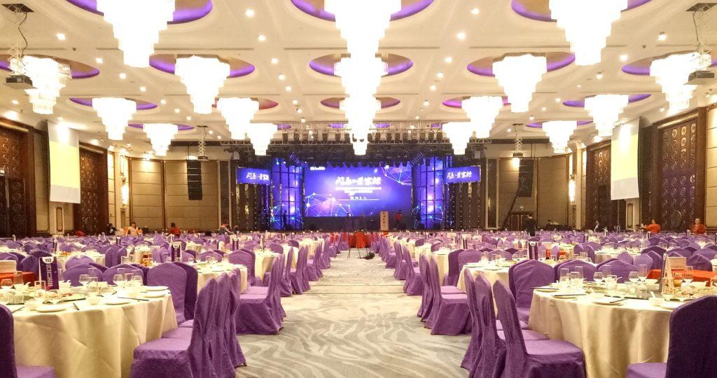 Cost effective luxury hotel wedding