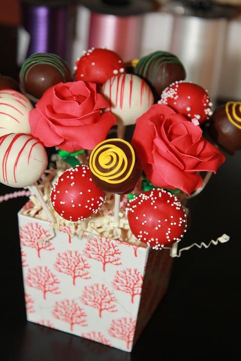 Marbled cake pops & favors