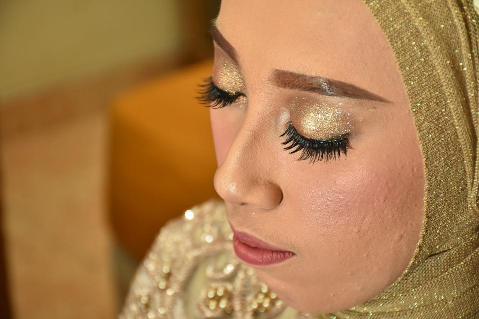 Shimmering eyes