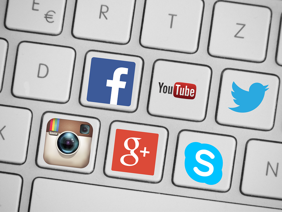 Find vendor feedback on social media