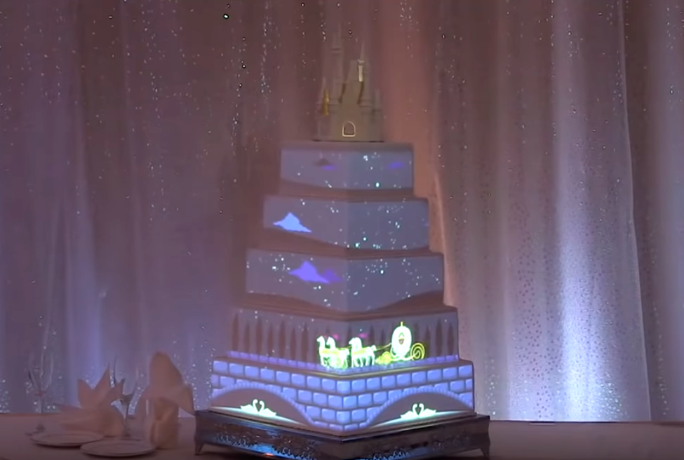 Interactive wedding cake