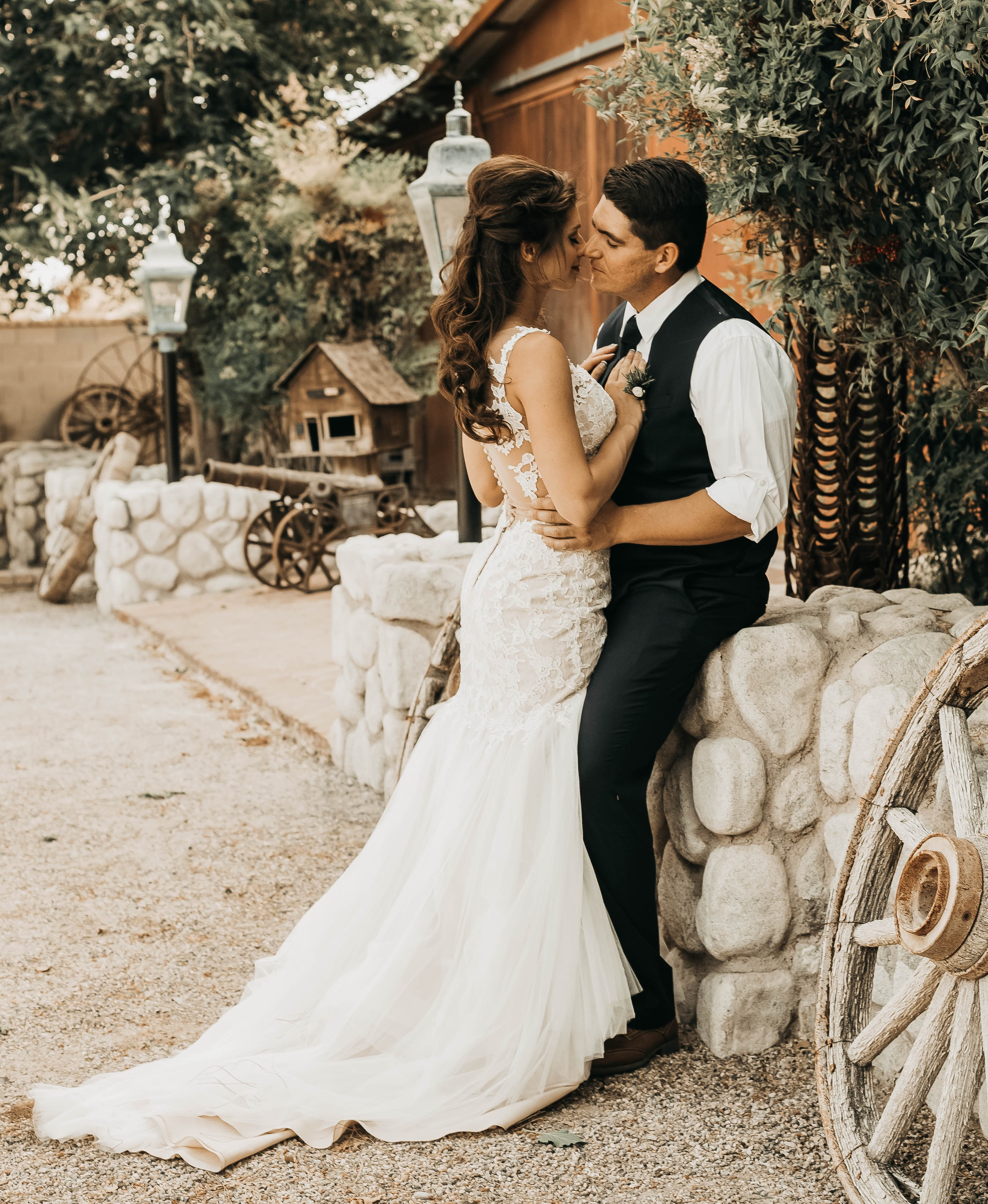Save On Your Wedding And Honeymoon By Using The Same Venue