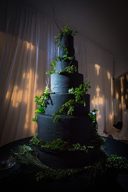 Festive vegan wedding cake