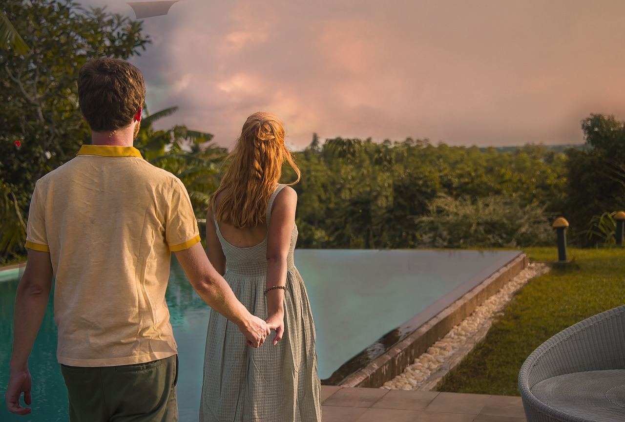 9 Tech Tools That Can Help You Plan Your Dream Honeymoon