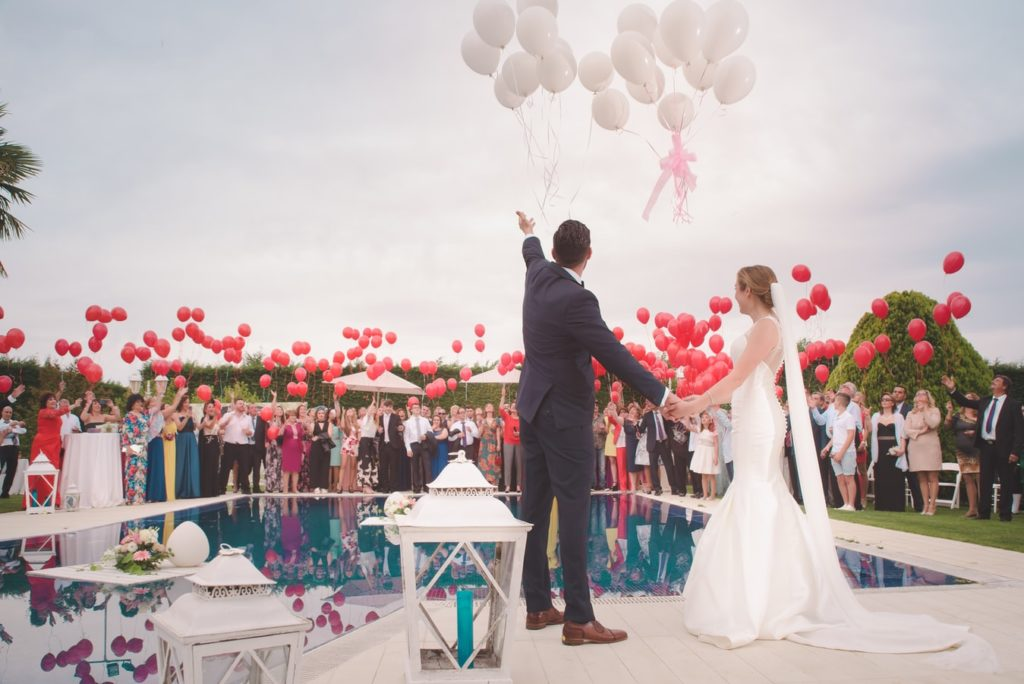 Avoid etiquette mistakes at your wedding