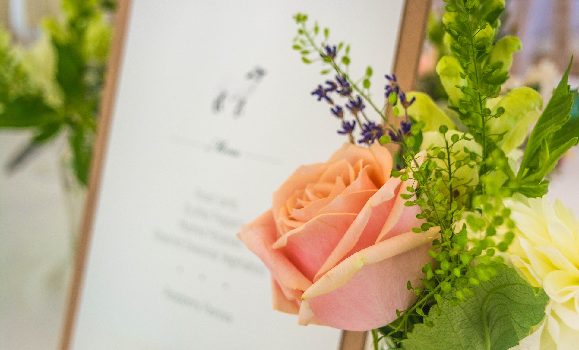 The Common Wedding-Invitation Etiquette Mistakes You Need to Avoid