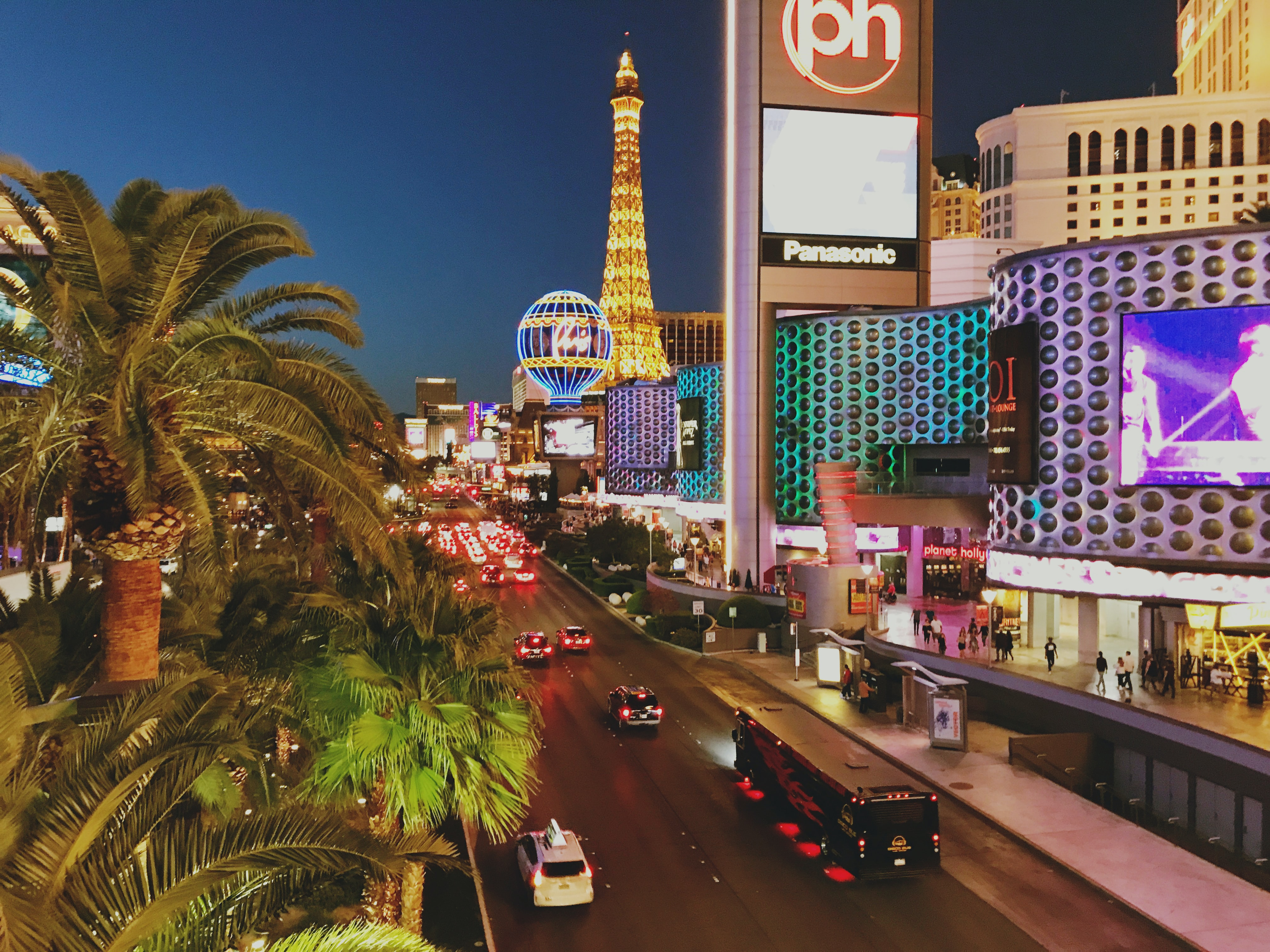 A Las Vegas Honeymoon Promises to be Anything But Ordinary