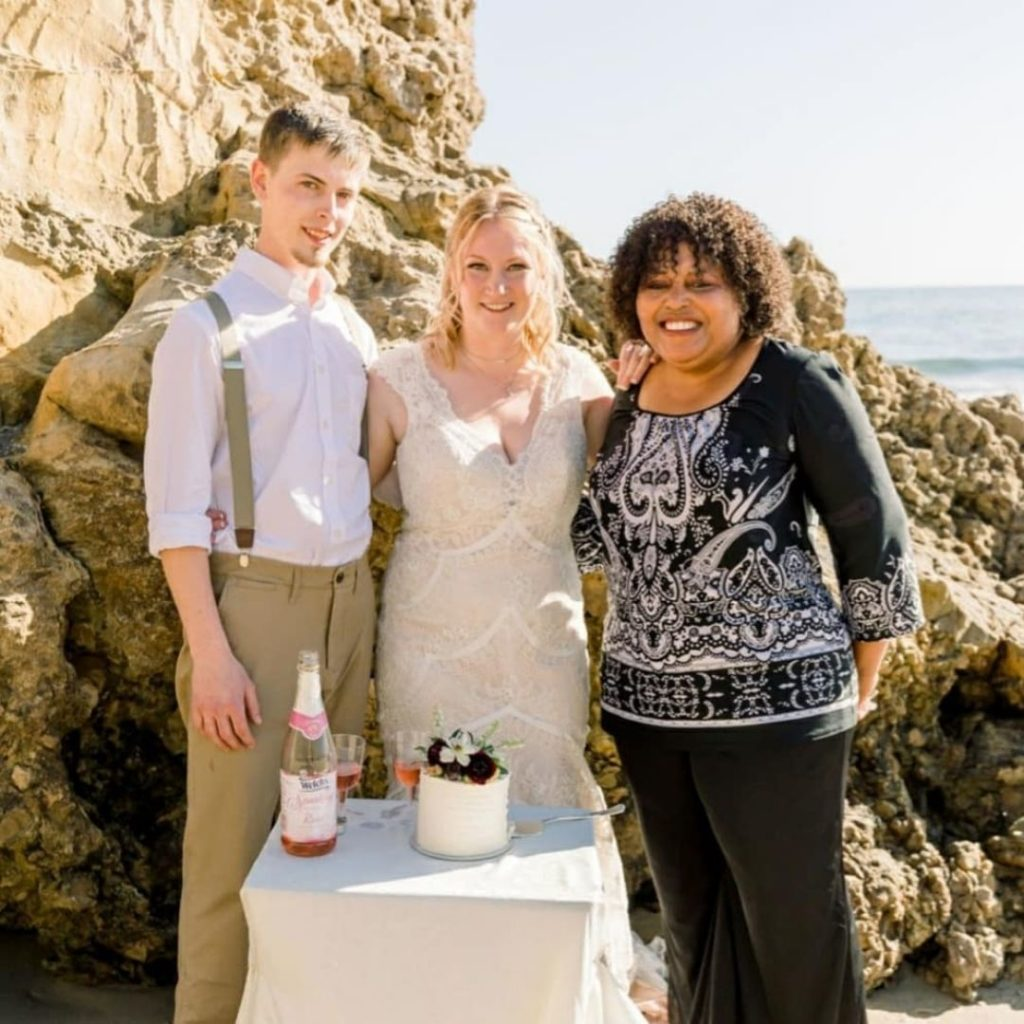 Officiant Lady
