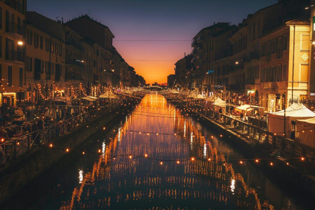 Alzaia Naviglio Grande, Milano